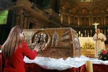 La châsse contenant la relique des époux Martin